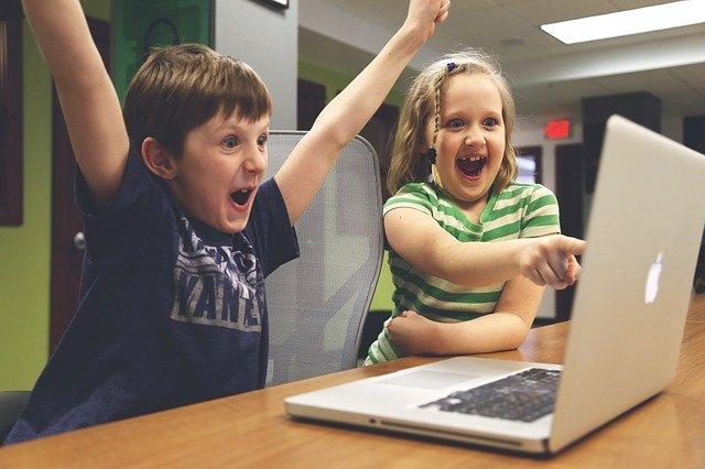 nadšené děti