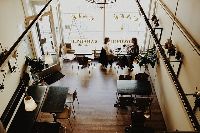 kavárna pohled shora
